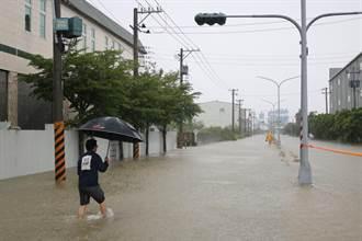 海棠颱風夾帶豪雨 台南多處淹水