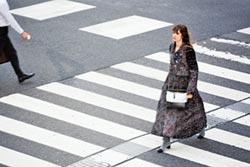東京街頭 濃濃巴黎女人味