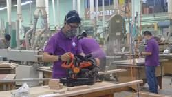 木工職訓做公益 改造原民部落更美麗
