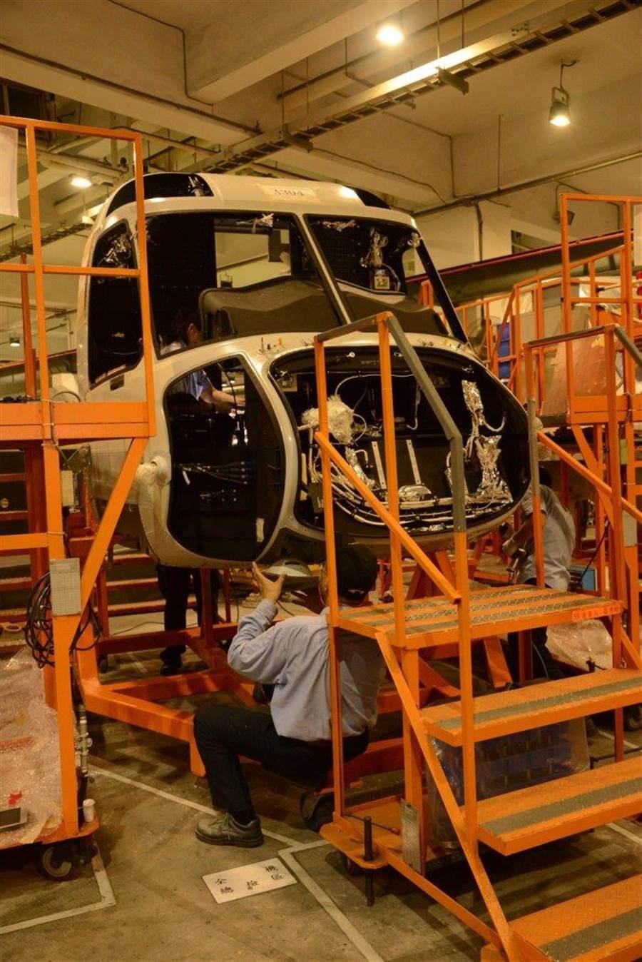 其實S-92直升機與台灣也有一點關係,我們的漢翔航空工業公司,就負責製作S-92的機首部件,是S-92的協力製作廠商。(圖/漢翔工業)