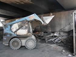 燬國門陸橋儲油桶主人找到! 竟是升格前蘆竹鄉公所存放