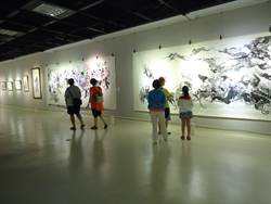 1小時可畫出16幅國畫 快手畫家游善富陶瓷水墨畫展