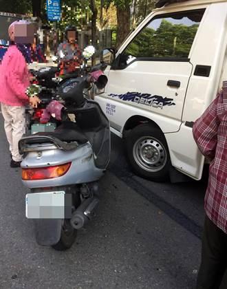 不服機車併排臨停罰500 申訴改罰2400元