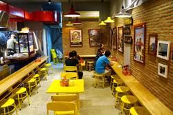 水上市集美食路上賣 台大商圈「泰國船麵」攤販價開賣