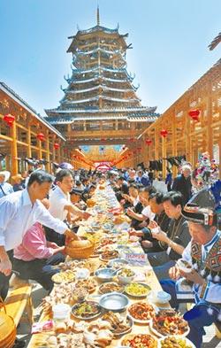 三江風雨橋 百年古橋融和民族風