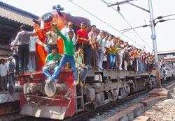 印度將超陸 2024年成世界人口第一大國
