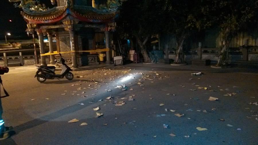 新北市41歲張姓男子16日晚上11時許到林口洪福宮拜拜、燒金紙,過程中金爐卻突然爆炸。(陳心瑜翻攝)