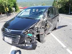 台9休旅車擦撞砂石車 車頭嚴重毀損