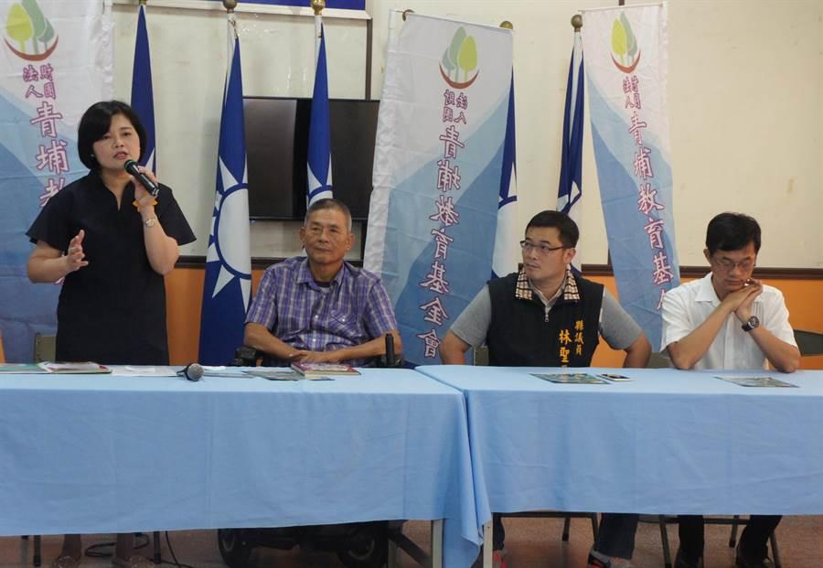 壢往張麗善 (左一)也是青埔教育基金會董事長,長年耕耘地方公益活動。(周麗蘭攝)