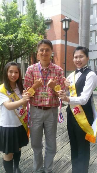 左右手並用 明德中學堪劉珊瑜奪技藝競賽冠軍