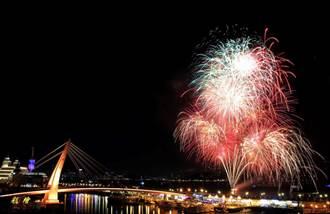 8月27日漁人碼頭璀璨煙火 搭船浪漫行!