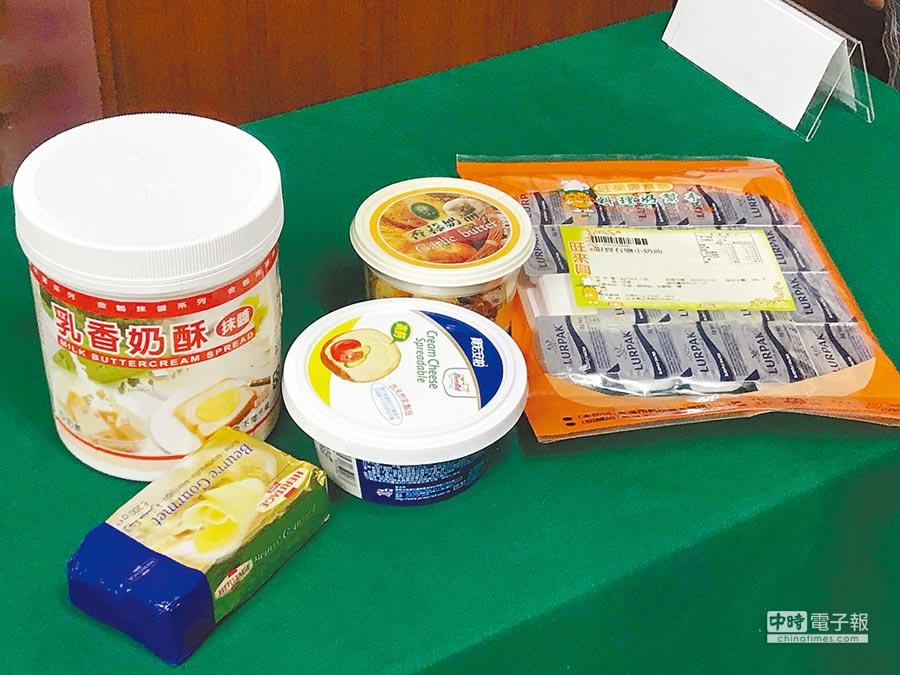 台灣消保會抽查50件食品,當中近半含反式脂肪。(柯宗緯攝)