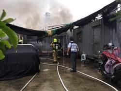 高市美濃貨櫃屋大火 受困婦人救出後送醫不治