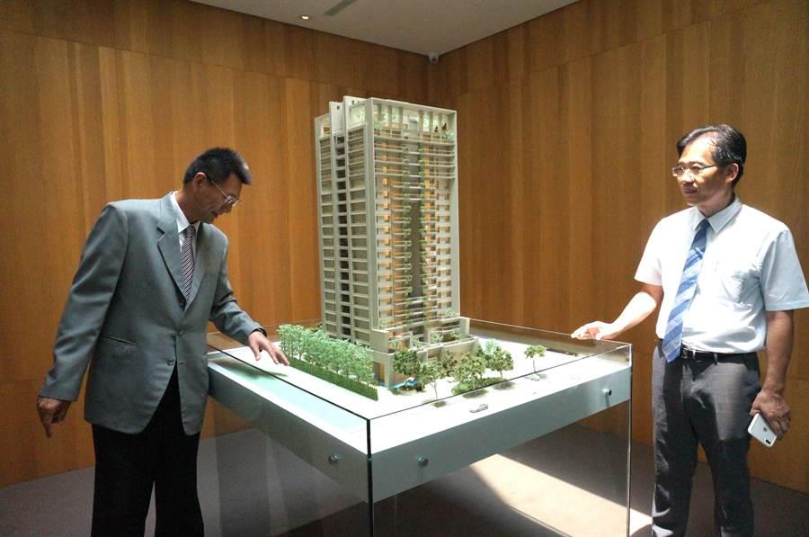 市場流行小坪數與低總價建案,也有建商反向操作,推出大坪數的住宅案。(盧金足攝)