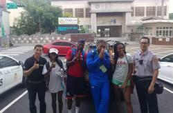 世大運金牌田徑選手迷途 龜山警協助返回選手村