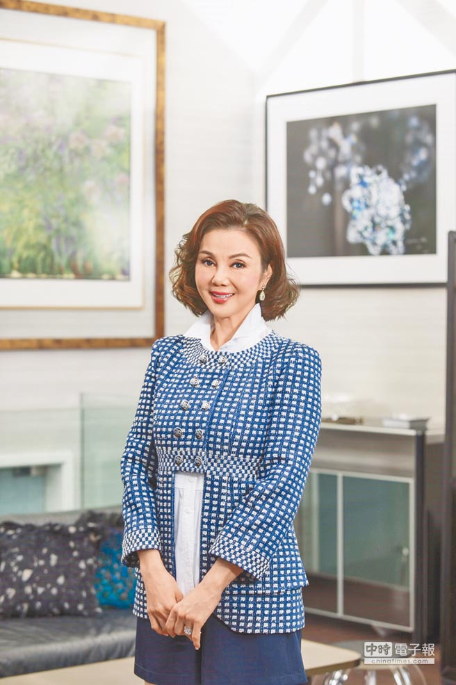 謝玲玲從繪畫中活出自在人生,一如她的畫作令人悠然神往。