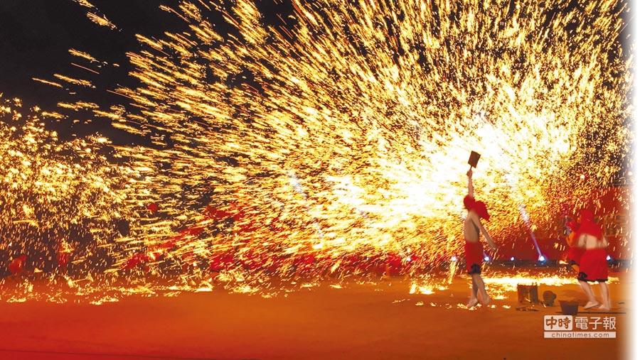 重慶「銅梁火龍」,明年將在南投燈會重現。(本報資料照片)