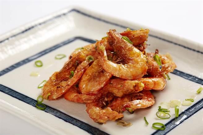 wok臥風閣_taseing menu雙人套餐開胃品_〈鹽酥蝦〉。(圖/臥風閣)