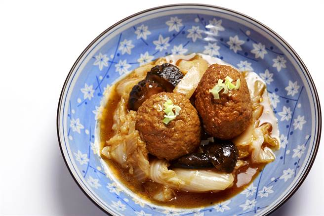 /taseing menu雙人套餐的主菜可選〈獅子頭 〉。(圖/臥風閣)
