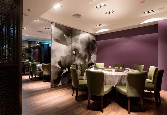 位在大直敬業二路的「wok臥風閣」中餐廳,裝潢舒適。(圖/臥風閣)