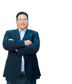 啟翔輕金屬董事長 陳百欽 柔軟身段蘊藏驚人意志力