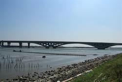 台61線台南七股溪橋進入驗收階段 拚10月底通車