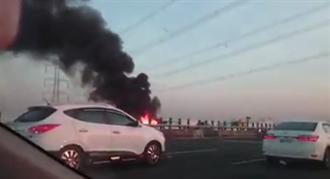 國道三號火燒車 駕駛即時逃脫