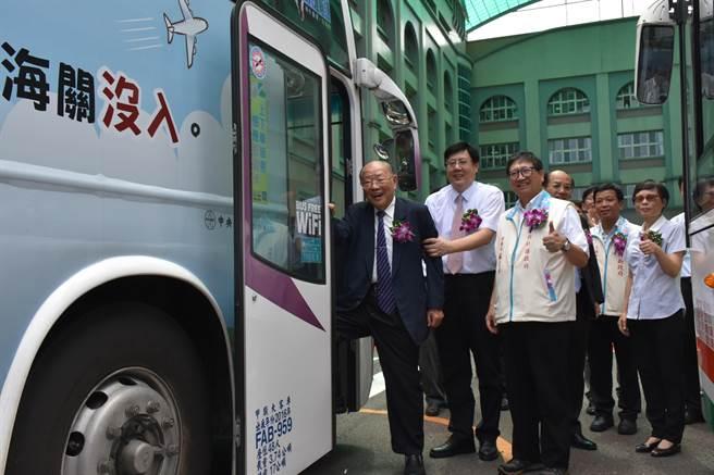 配合交通部「公車進校園」計畫,位在新竹縣橫山鄉的中華科技大學新竹校區,未來將有公車直抵學校,節省師生通勤時間,也降低騎機車的危險性。(莊旻靜攝)