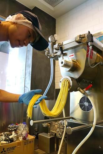 機器人也可以做義大利麵!日本SPIGA PASTA麵屋插旗台北