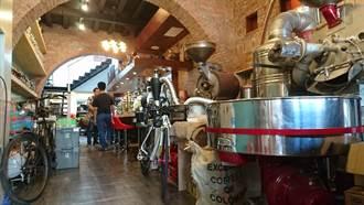 中市百年建築何藥房 化身為咖啡館傳香