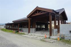 高雄古樸木造三塊厝站 最快明年8月啟用