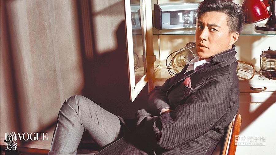 有媒體針對靳東這3年來演的7部劇做了簡單的概率統計,發現他所飾演角色之間的雷同度達到了86%。(取自豆瓣網)