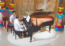 台大雲林分院 獲贈百萬鋼琴