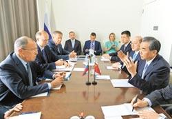 王毅會俄外長 促朝核和平解決