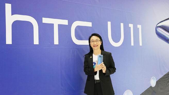 宏達電董事長兼執行長王雪紅(見圖)常常不在台灣,但最近出現在新店總部。(宏達電提供)