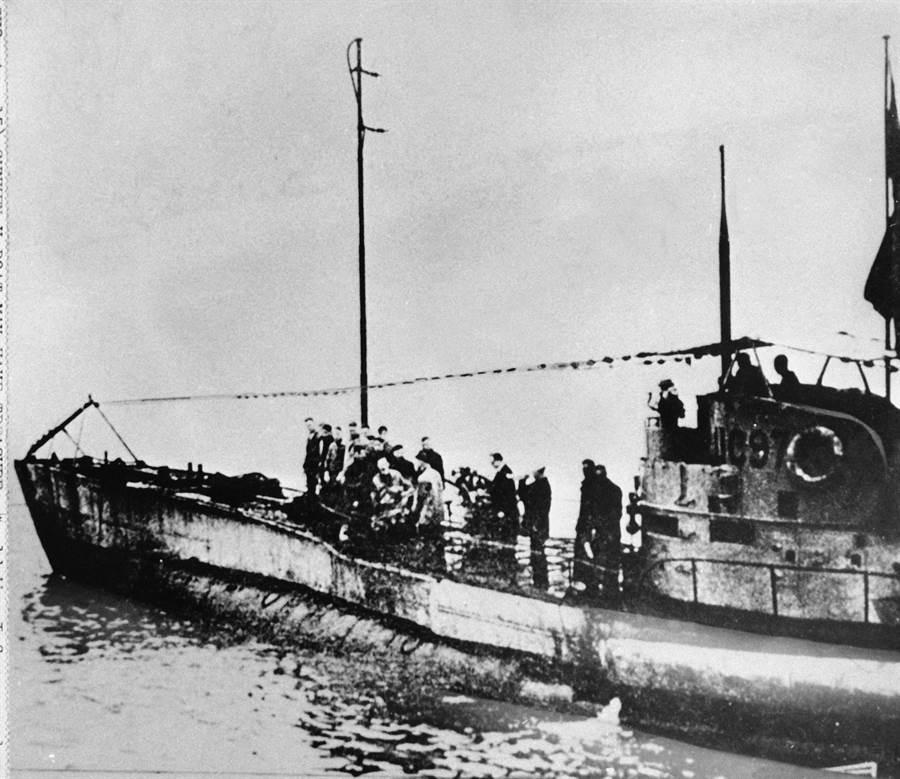 第一次世界大戰時期德國UC-97型潛艇的資料照。(圖/美聯社)