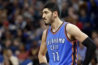 NBA》曾在場上怒目對峙 幫尼克招募詹姆斯有用嗎?