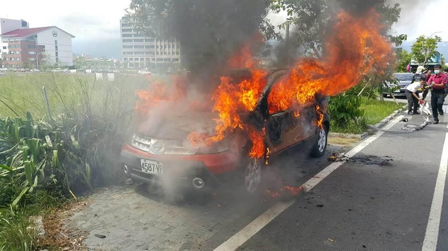 宜蘭火燒車發現一焦屍 警方調查其身分及原因