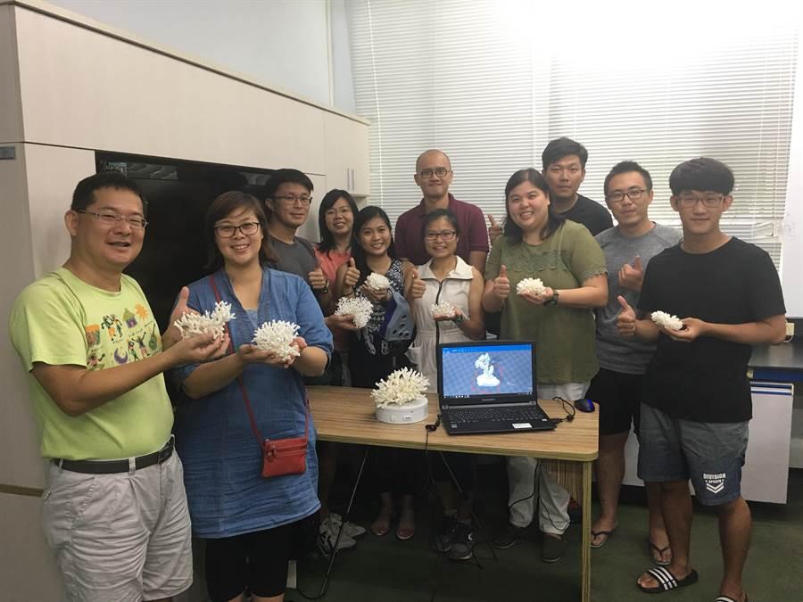 國立海洋生物博物館近日又與新加坡學者合作,進行虛擬珊瑚礁體驗。(海生館提供)