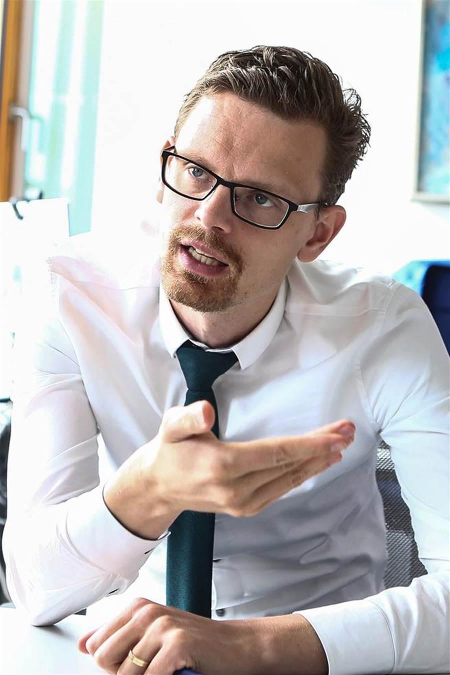 德國工商協會經濟學家 IIja Nothnagel指出,新的聯合政府組成後,必須加強在數位化、投資基礎建設與強化技速勞工。(鄧博仁攝)