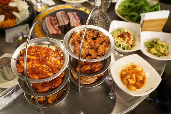 店裡所有的菜色使用的醬汁都不會重複,所有肉品都使用韓國大廚調製好的醬料醃製。(圖/陳凱寧)