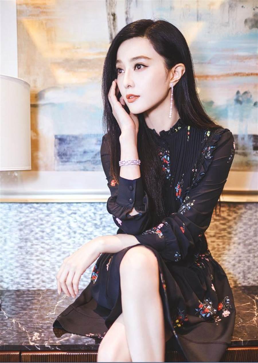 范冰冰穿著ERDEM x H&M 設計師系列女裝 (圖/H&M)