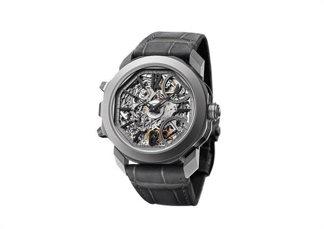 BVLGARI OCTO GRANDE SONNERIE 大自鳴鏤空陀飛輪腕錶。(圖/ 寶格麗 提供)