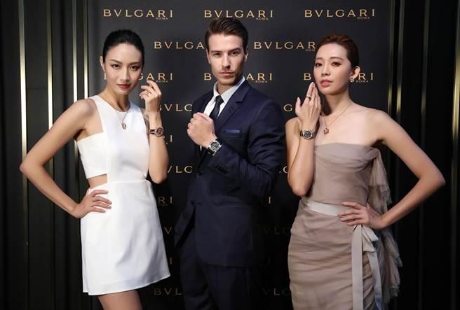 模特兒配戴 BVLGARI 複雜腕錶合影。(圖/ 寶格麗 提供)