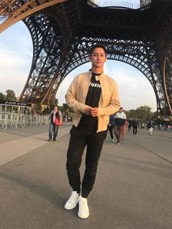 李鎮宇赴巴黎看LACOSTE秀 媒體誤認為妻夫木聰