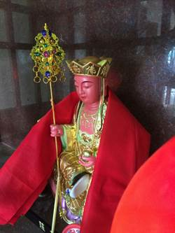 吸毒男子燒地藏菩薩像 民眾集資「刻回來」