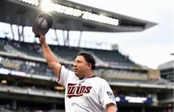 MLB》為和亡母的「投到45」承諾 柯隆明年續戰