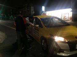 酒後不開車卻無車可坐 搭警車回家