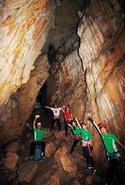 《商業周刊》新創旅遊─換個方式玩寶島 地心冒險、垂降鬼峽谷