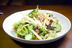 吃沙拉有益健康?小心反變胖!